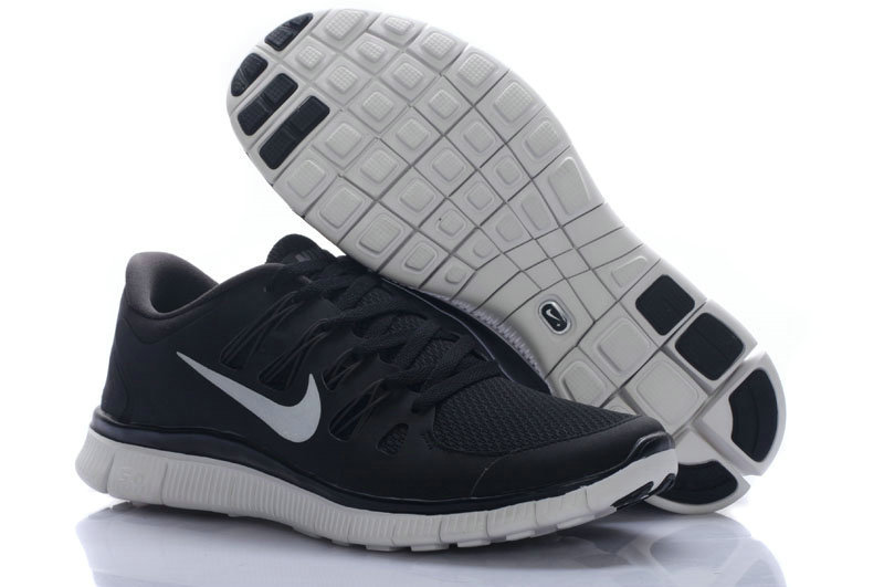 nike free runs in black