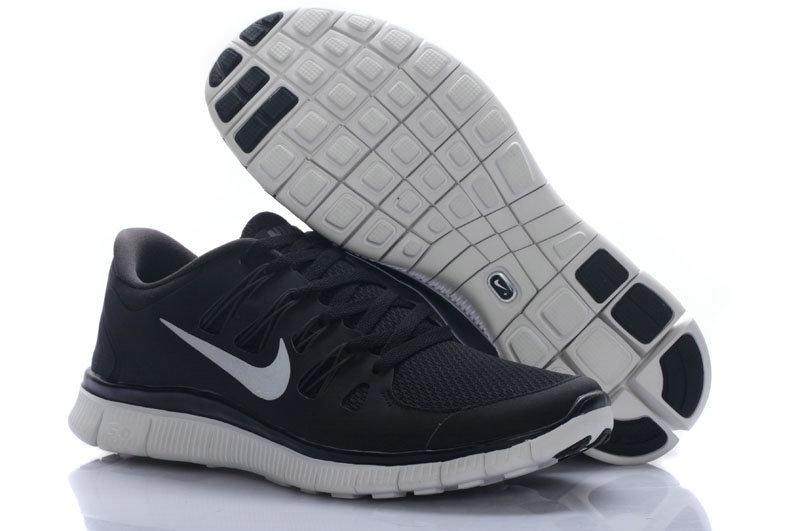 black womens nike running shoes