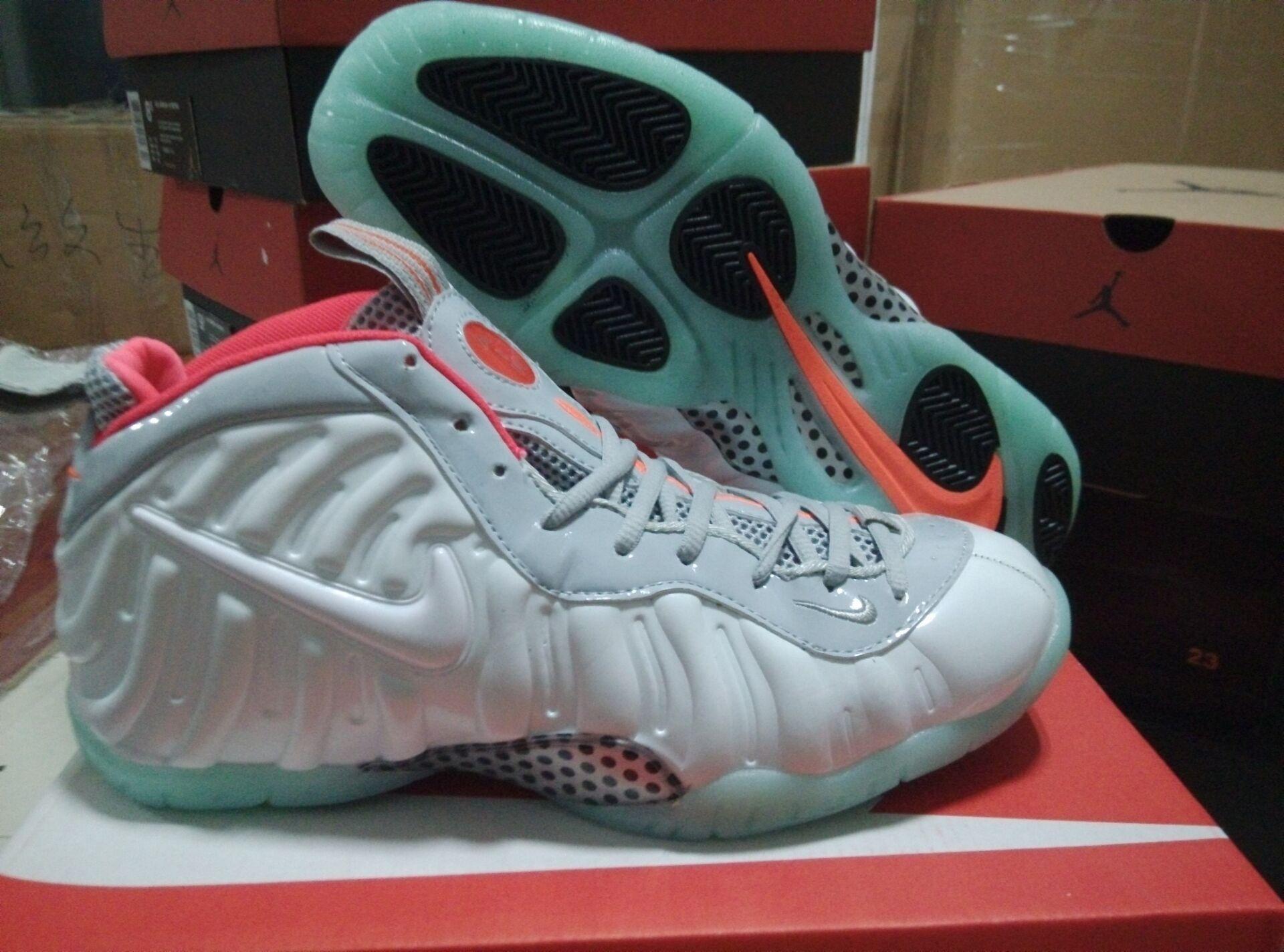 best service 29efd 271ee Luminous Soles Men Nike Basketball Shoes Air Foamposite One 259
