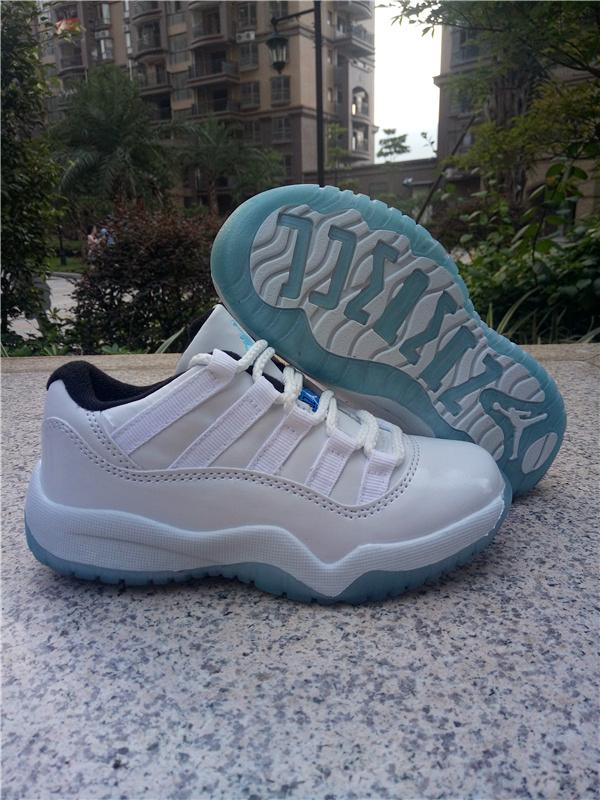Kids Air Jordan XI Sneakers Low 228