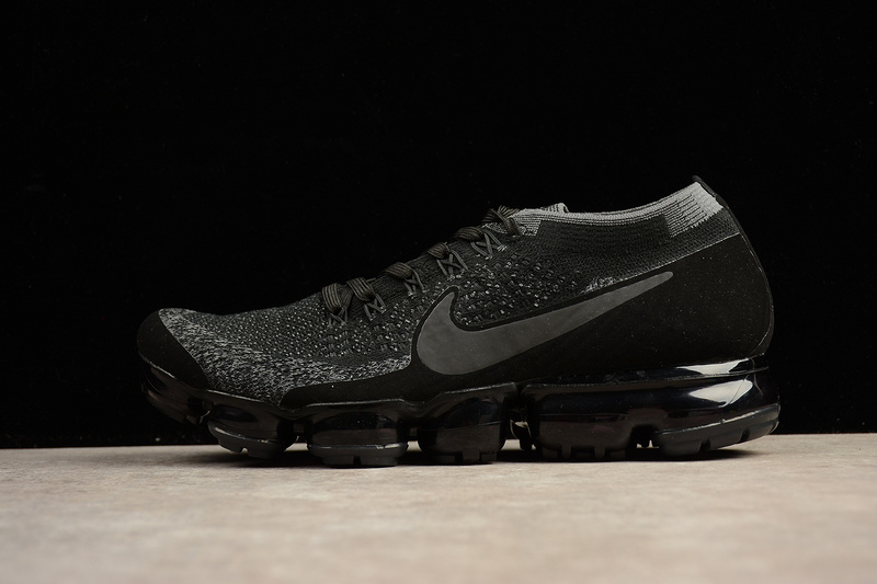 online retailer 4a1af 6dcb5 Womens Nike Air VaporMax Flyknit 2 Casual Shoe at Road Runner
