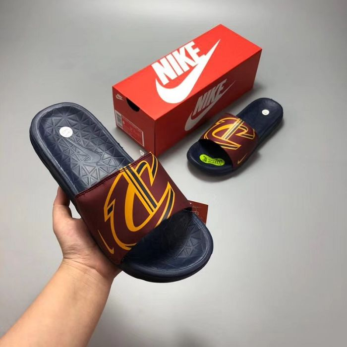 Men Nike Benassi Solarsoft Ssndals 316