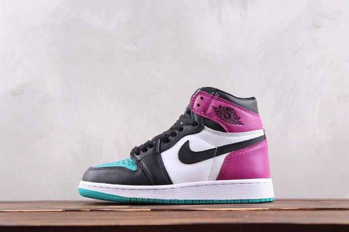 Women Air Jordan 1 OG Bred Toe Sneakers AAAAA 347