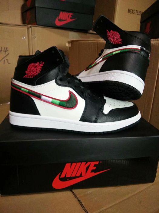 Women Sneaker Air Jordan 1 Retro 381