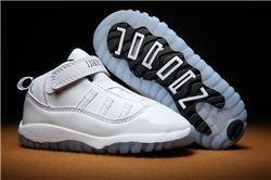 Kids Air Jordan XI Sneakers 240