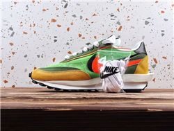 Men Sacai x Nike LVD Waffle Daybreak Running ...