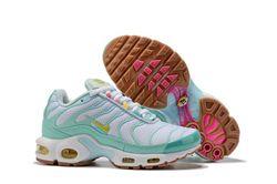 Women Nike Air Max Plus TN Sneakers 251