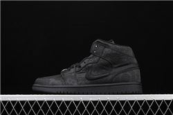 Women CLOT x Air Jordan 1 Mid Fearless Sneake...