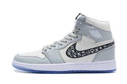 Women Air Jordan 1 Retro Sneaker 662