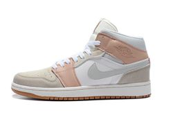 Women Air Jordan 1 Retro Sneaker 663