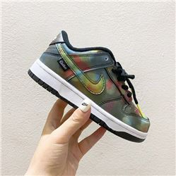 Kids Nike Dunk SB Sneakers 217