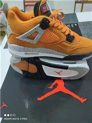 Women Air Jordan IV Retro Sneaker 382